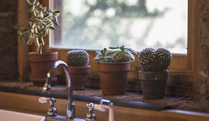 San Diego Kitchen & Bath Home Remodeling Solutions-We do kitchen & bath remodeling, home renovations, custom lighting, custom cabinet installation, cabinet refacing and refinishing, outdoor kitchens, commercial kitchen, countertops, and more